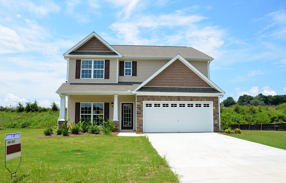 ¿Deberías pagar los gastos de la hipoteca?