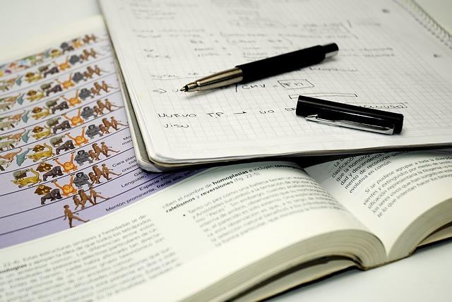 Caso de éxito: Estiman recurso de alzada a un alumno por defectos en la formulación de la pregunta