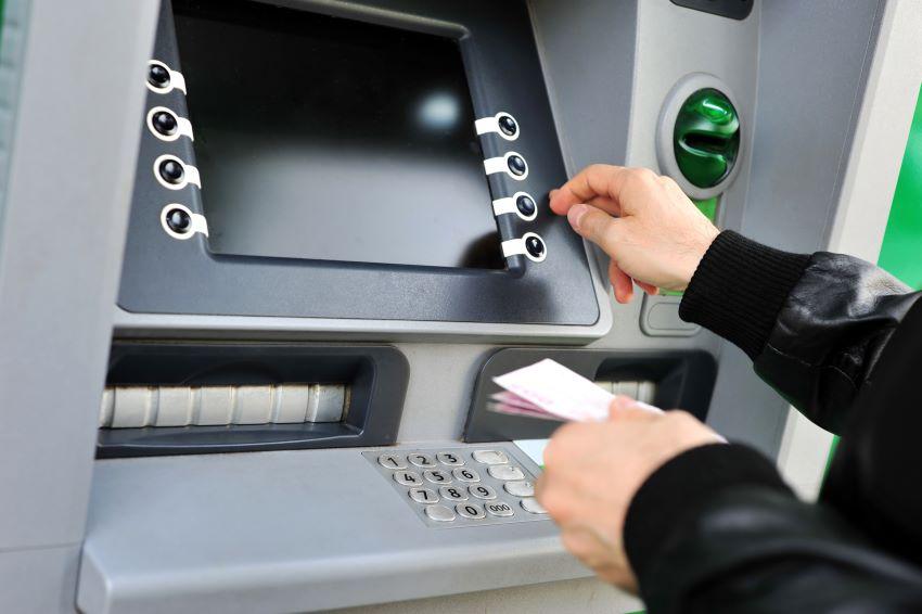 comisiones mantenimiento de cuentas en los bancos