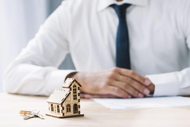 Unicaja Banco se allana en la reclamación de gastos hipotecarios