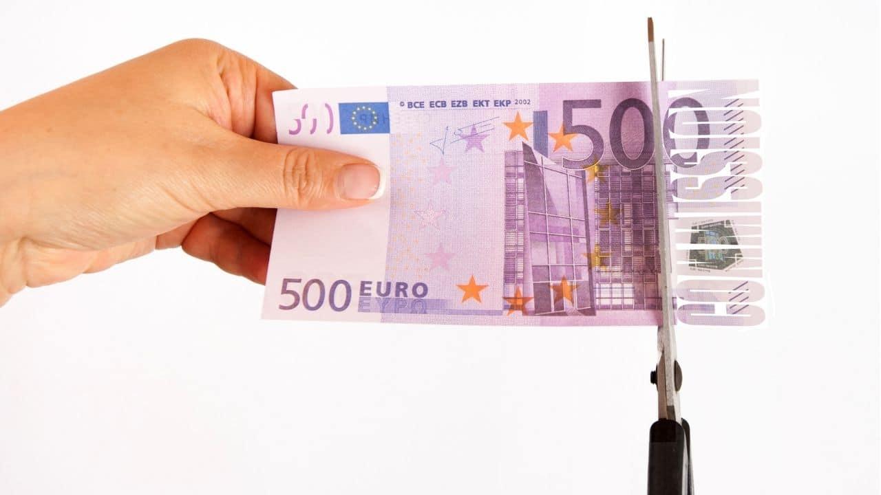BAKIA se allana a la petición de nulidad de la cláusula de posiciones deudoras