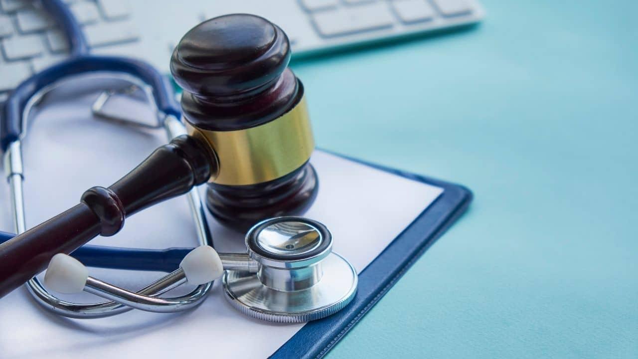 Pasos para realizar una denuncia por negligencia médica